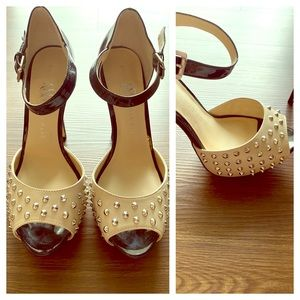 Rock and republic heels size 8 med